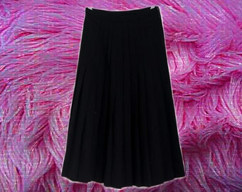70s/90s Black Pleated Midi Skirt