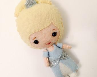Cinderella-inspirierten Filz Puppe. Prinzessin.