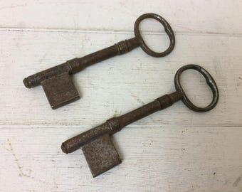 Vintage Keys~Pair Of Blank Keys~Large Key~Church Door~Old Fashioned Keys~