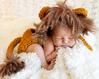 Gently Used Crochet Lion Hat and Matching Diaper Cover for Newborns/Newborn Photography