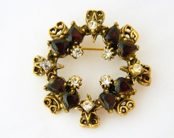 Vintage Round Pin, Vintage Round Brooch, Rhinestone Brooch, Ruby Rhinestone, Mid Century Brooch, 50s, Gold Tone,