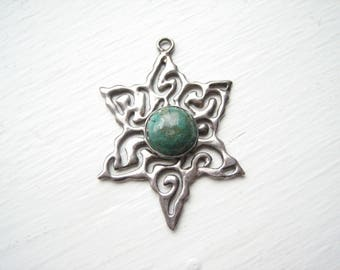 Large 6 pointed star pendant, silver star pendant, green gemstone star, focal pendant, focal bead, large silver star, silver tone star