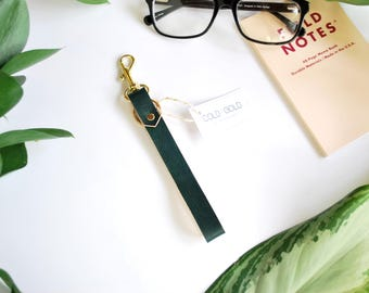 Leather Keychain Wristlet in Forest Green, Minimal Wristlet Leather Loop, Minimal Keychain Loop in Soft Leather