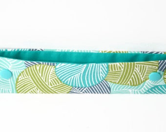 Yarn DPN Holder, Double Pointed Needle Case, 8 Inch Knitting Needle Case, DPN Cosy, Knitter Gift - Green & Blue Wool