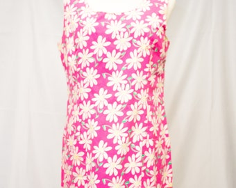 Adorable Lilly Pulitzer Fully Lined Daisy Dress with Two Front Pockets.