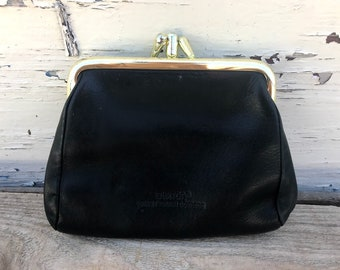 Black Leather Coin Pouch Vintage 1980's Buxton Velvet Touch Cowhide Coin Purse Gold Tone Kiss lock Coin Pouch Leather Wallet Change Purse