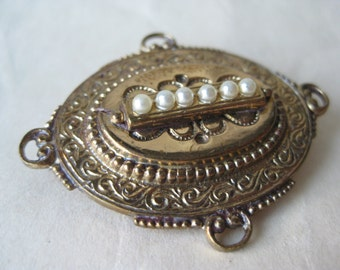 Gold Pearl Oval Brooch Vintage Pin