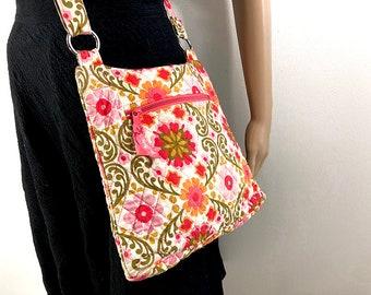 Vera Bradley Floral Crossbody Bag — Quilted Flowered Purse Shoulder Bag Pink Fuschia Green — Abstract Flower Design Summer Purse Market Bag