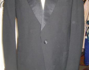 """1970's, 44"""" chest, 36"""" waist, 2 piece tuxedo suit."""