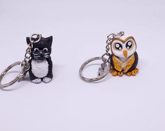Animal keyring, in the shape of an owl and personalized Fimo kitten