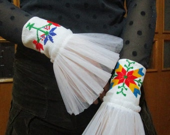 White Bracelet,Bridal gloves ,Bridal cuff,Statement bracelet ,Vintage lace bracelet,Cotton and tulle.
