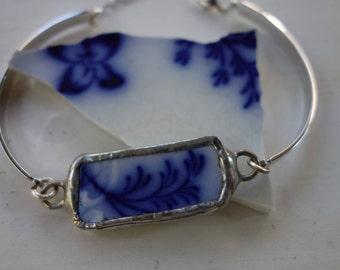 Blue flower bracelet- broken china jewelry- broken china bracelet- blue bracelet- vintage china bracelet- unique bracelet