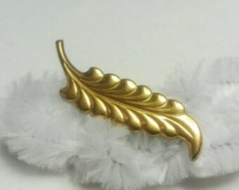 Vintage Gold Long Leaf Pin / Brooch