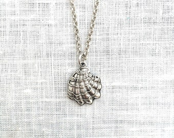 Scallop Shell Necklace, Gold Silver Seashell Jewelry, Beachy Summer Beach Themed Jewelry Gift, A0063