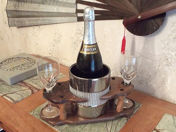 17 - Champagne Ice Bowl (1) Stemmed Glass (2 station) Full 750ml