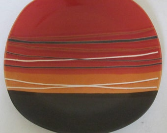 Bazaar Red by HOME TRENDS Stripes Collectible Large Dinnerware Plate
