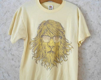 Vintage Nerd Lions Head Hipster Tee T Shirt Pastel Yellow Retro Short Sleeves Fruit of the Loom Cotton Blend Graphic Tee Mens Medium