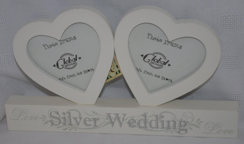 coeurs en bois photo cadre argent mariage anniversaire cadeau. Black Bedroom Furniture Sets. Home Design Ideas