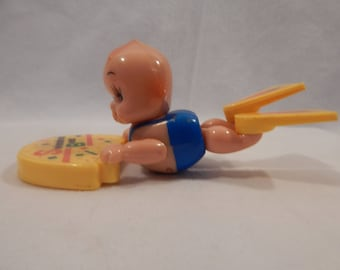 Vintage Swimming Beat Kids Wind up Water Toy