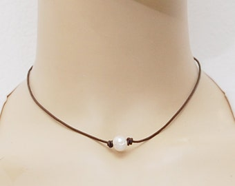 Single Pearl Choker Necklace, Fresh water Pearl Chocker Necklace, Pearl Leather Choker Necklace, Single Pearl Choker, Leather Cord Necklace,