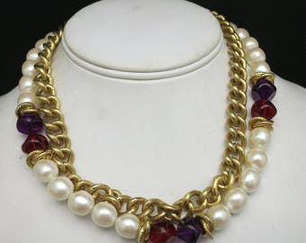Chain necklace Big fake pearls Classy eighties Glamour