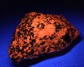 FRANKLINITE And CALCITE Raw Specimen - With Sphalerite - Fluorescent Natural Mineral - Magnetic - Rough Stone- From Franklin New Jersey 310g