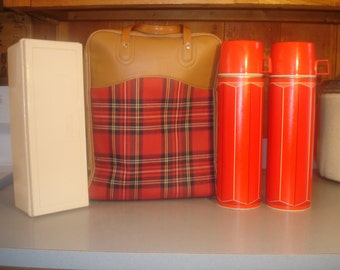 Vintage Thermos Picnic Bag / Red Tartan Plaid / 2 King Seeley Thermoses / Sand which- food tote