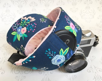 DSLR Minky Camera Strap, Padded with Lens Cap Pocket, Nikon, Canon, DSLR Photography, Photographer Gift, Wedding - Navy Flowers & Baby Pink