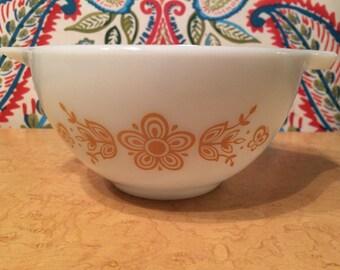 PYREX Butterfly Gold (1972-1978) Cinderella Bowl #441