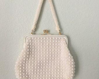 Vintage white cord bead purse, 60s handbag made in Hong Kong, retro bead bag, kiss clasp