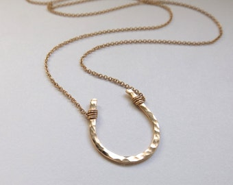 Large Gold Hammered Horseshoe Necklace // Cable Chain