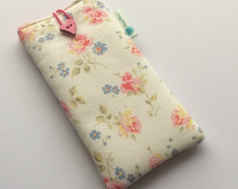 Handmade Cath Kidston 'Cut roses'  fabric sunglasses case, sunglasses pouch, sunglasses holder, glasses case - made in Cornwall