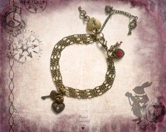 Alice In Wonderland themed jewellery Queen of Hearts bronze charm bracelet