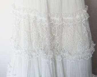 RARE Vintage 70/80s Gunne Sax White Lace Gauze Maxi Skirt.Small.Waist 27