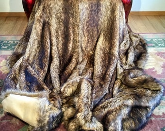 """King Comforter-Golden Wolf Fancy Faux Fur/108""""X91""""/Machine Wash and Dry/Perfect Gift for Him or Her/Gift Ready Box/Ready to Ship to You Now!"""