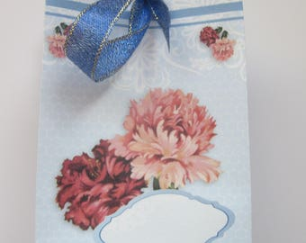 Lovely gift bag to add to a card.