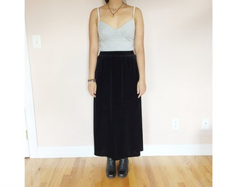 SALE black velvet maxi skirt // size M // vintage 90s 80s goth grunge