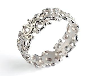 CORAL 18k White Gold Wedding Band, 18k Wedding Band Ring, Men's Wedding Band, 18k Gold Wedding Band for Women, Unique Wedding Ring