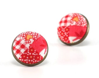 Red Stud Earrings, - Almost Patchwork Earring Studs - White Fabric Covered Buttons Earrings, Antique Jewelry, Quilting Posts, Post Earrings