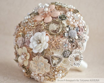 Vintage Brooch bouquet. Ivory and Champagne wedding brooch bouquet, Jeweled Bouquet. Quinceanera keepsake bouquet