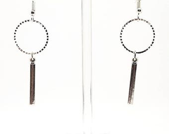 Pretty circle and stem Silver earrings