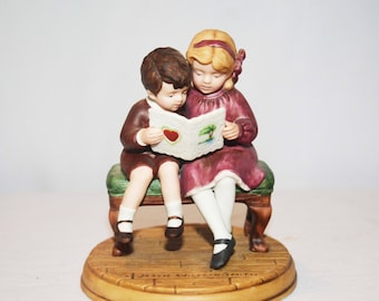 "Avon ""Be Mine, Valentine"" Jessie Willcox Smith Collection Porcelain Figurine 1986 Avon Holiday Figurine Series"