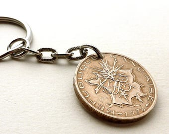 French keychain, 1976, Coin keychain, Vintage keychain, French jewelry, Coin charm, Accessory, Upcycled coin, France, Coin, Charm, keychain