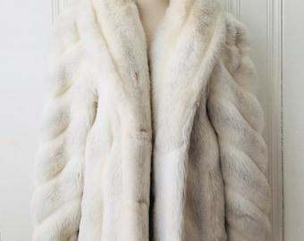 1970s 1980s Womens Vintage Retro White Grey Gray Jordache Faux Fur Coat Silver Lining Medium Large Vegan