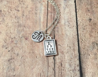 Eye chart initial necklace - optometrist jewelry, gift for eye doctor, opthalmology jewelry, Snellen necklace, silver eye chart pendant