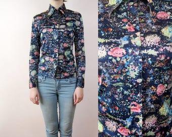 vintage 70's Collared printed floral shirt Small