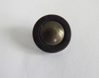 Cute button * vintage bronze and black
