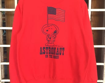 Vintage!! PEANUTS Snoopy Astronaut On Te Moon Sweatshirt / Cartoon / Peanuts / Snoopy / mickey mouse / simpson