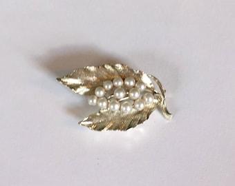 Jahrgang Lisner Silber Ton und Faux Perle Brosche