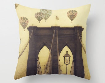 Brooklyn Bridge pillowcase - Chic Home Decor  - Vintage Photograph throw pillow - Vintage Hot Air Balloons Over the Bridge